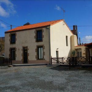 Logis La Fontaine - Tournesol
